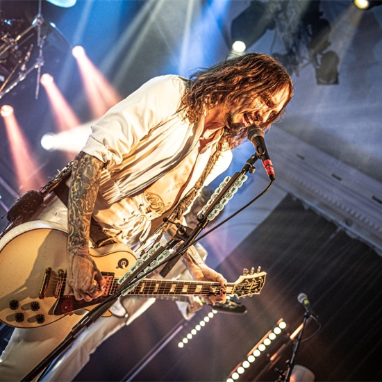 Photo report: The Darkness
